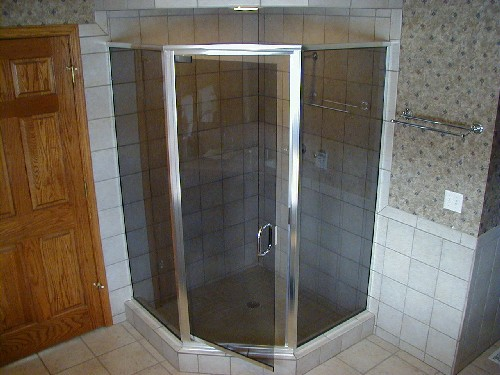 Chrome Framed Neo-Angle Shower with Gray Frameless Door
